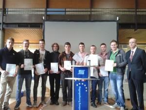 Abiturienten 2015 erhalten CNC-Führerschein von Bernd Stirnberg von der DEKRA Akademie Brühl HP