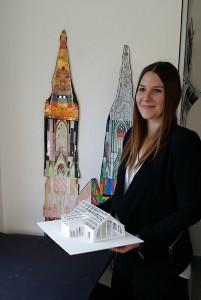 Larina Brüggen (21) präsentiert ihr Semestermodell für die FH Düsseldorf HP