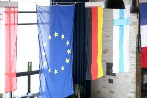 Europaflaggen im Atrium HP