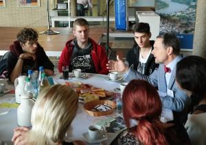 Europa-Café 3 - Dr. Stephan Koppelberg im Gespräch mit Goldenberger Schülern HP