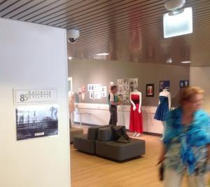 Jans Logo am Eingang zum Ausstellungsraum Galleria 85 im finnischen Kouvola HP